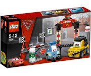 Lego Cars 2 Tokyo pitstop - 8206