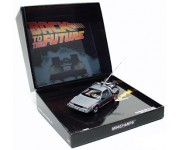 Minichamps 1981 DeLorean Back to the Future LE - 140070